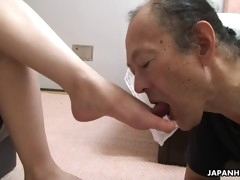 asian milf miku sachi reads a book while sitting on old man's face