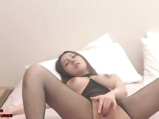 korean camgirl masturbates in fishnet pantyhose
